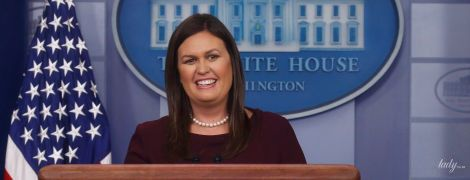 Знову б'юті-конфуз: прес-секретар Білого дому прийшла на брифінг з розмазаною тушшю