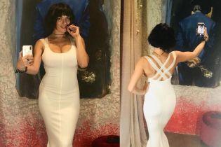 У білій обтислій сукні: Надя Мейхер похизувалася новим образом