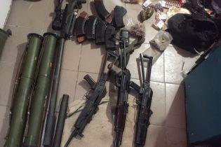 В Киеве в помещении бывшего военного нашли еще один тайник оружия