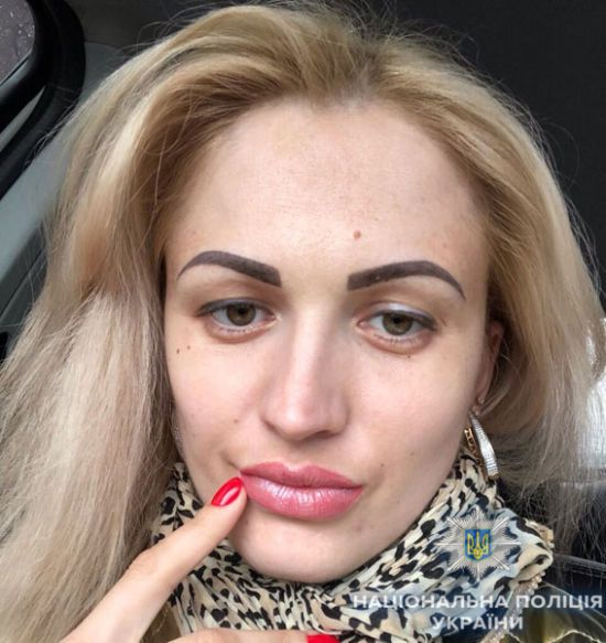 Дружина екс-депутата із Сум, яку підозрюють у його вбивстві, попросила політичного притулку у РФ