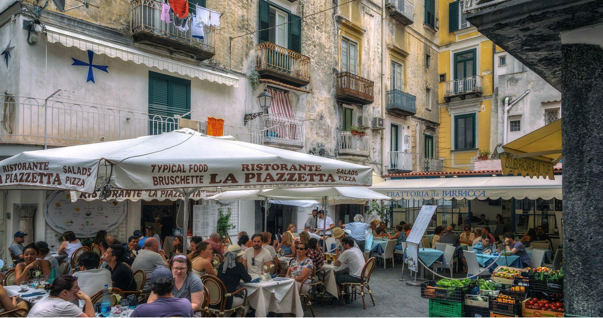 Неаполь, місто, кафе
