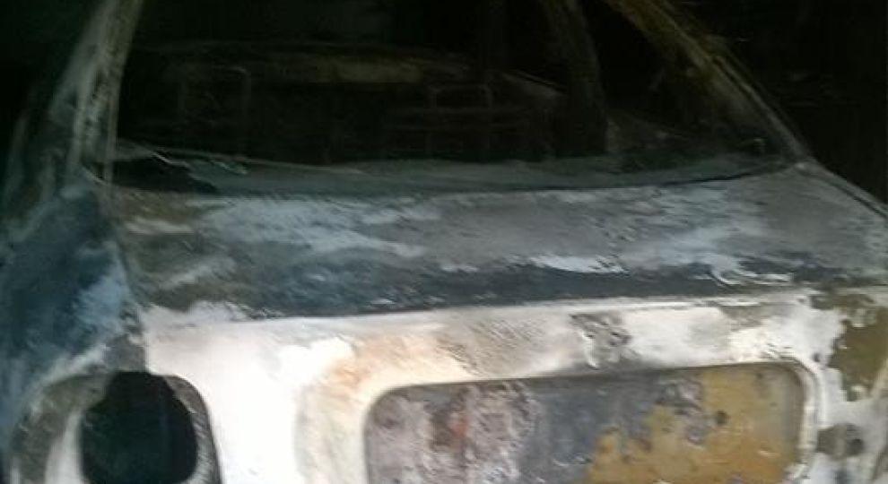 На Сумщині спалили авто депутатки – вона пояснила це помстою за викриття корупційних схем