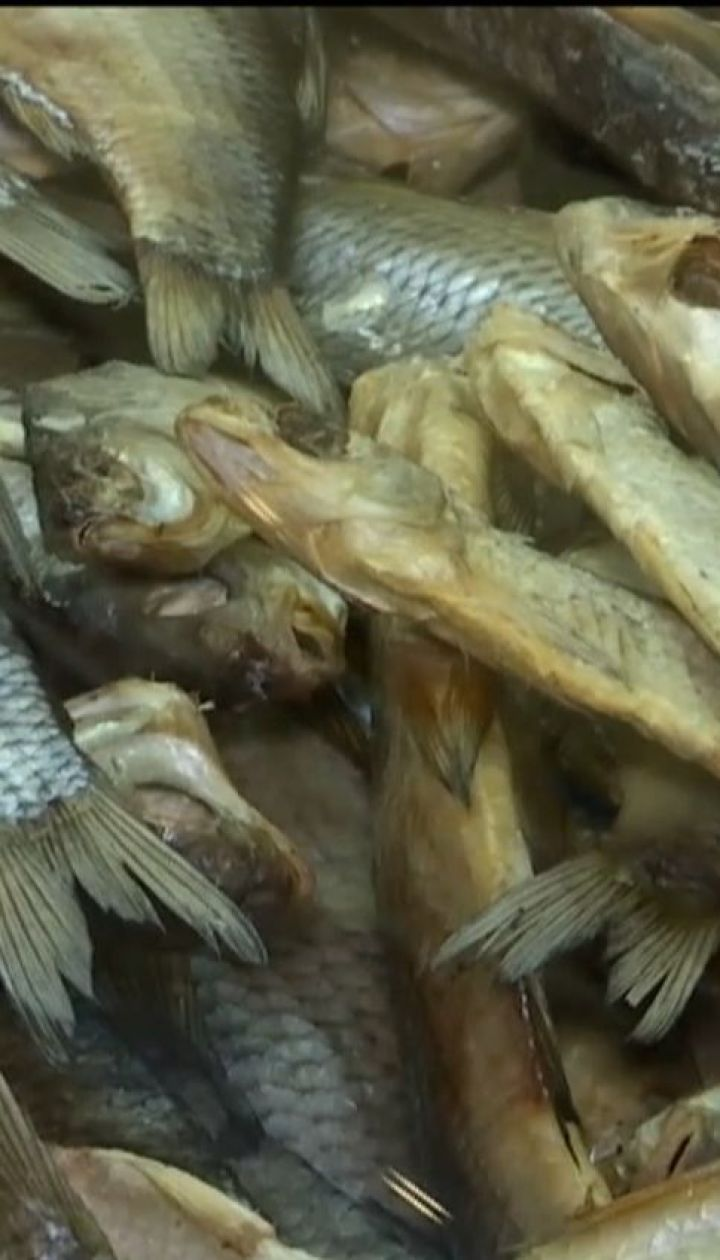 В Харькове мужчина умер от ботулизма, попробовав вяленую рыбу