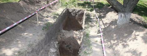 В Киево-Печерской Лавре раскопали уникальные стены 12-го века