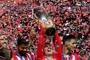 """Шампанське на полі та нагорода Кості. Як """"Атлетіко"""" виграв Суперкубок УЄФА"""