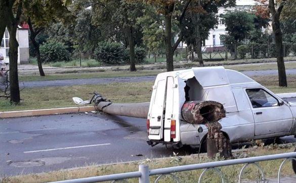 пошкоджена автівка, злива, київ
