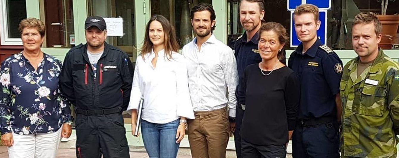 В джинсах, рубашке и кроссовках: повседневный образ принцессы Софии