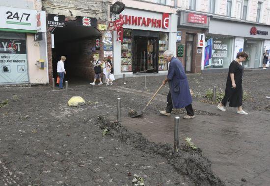 Київ знову може підтопити. Влада попередила про грози