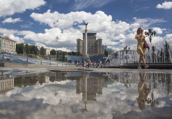 Київ удень поллє дощем з грозою