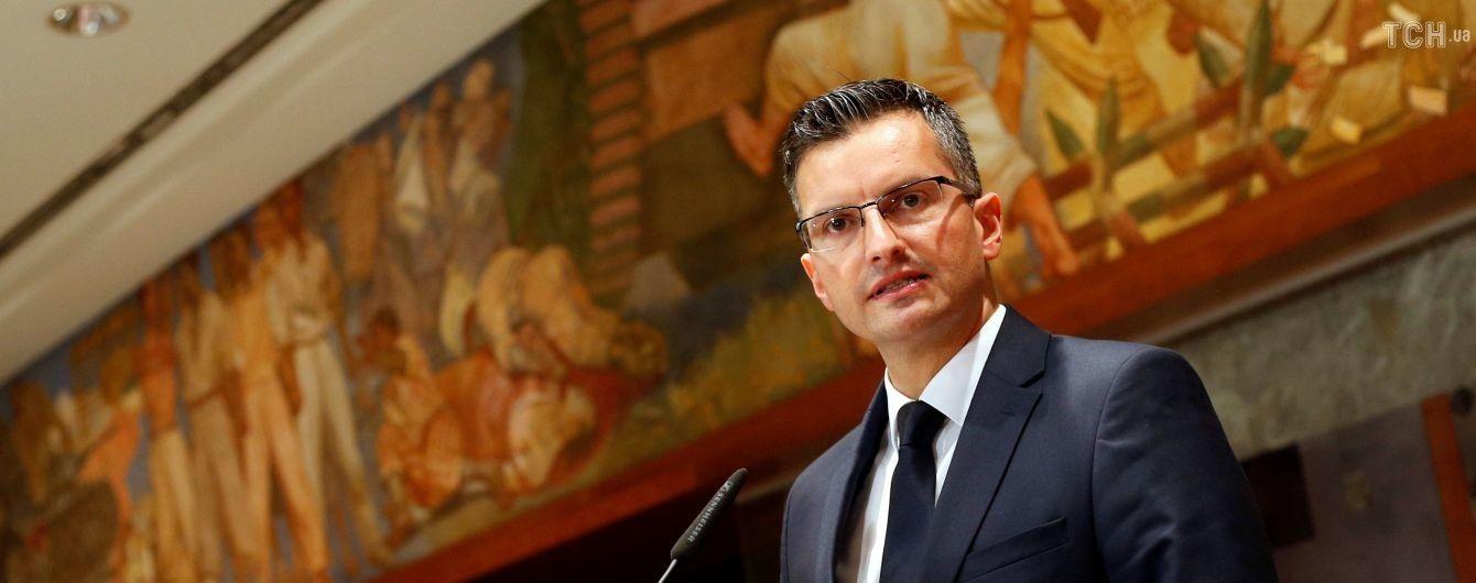 Премьер-министром Словении выбрали 40-летнего комика
