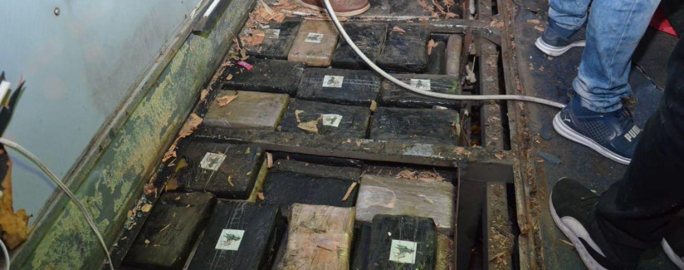 Кривава ДТП в Еквадорі: в розбитому автобусі поліція знайшла більше мільйона доз марихуани