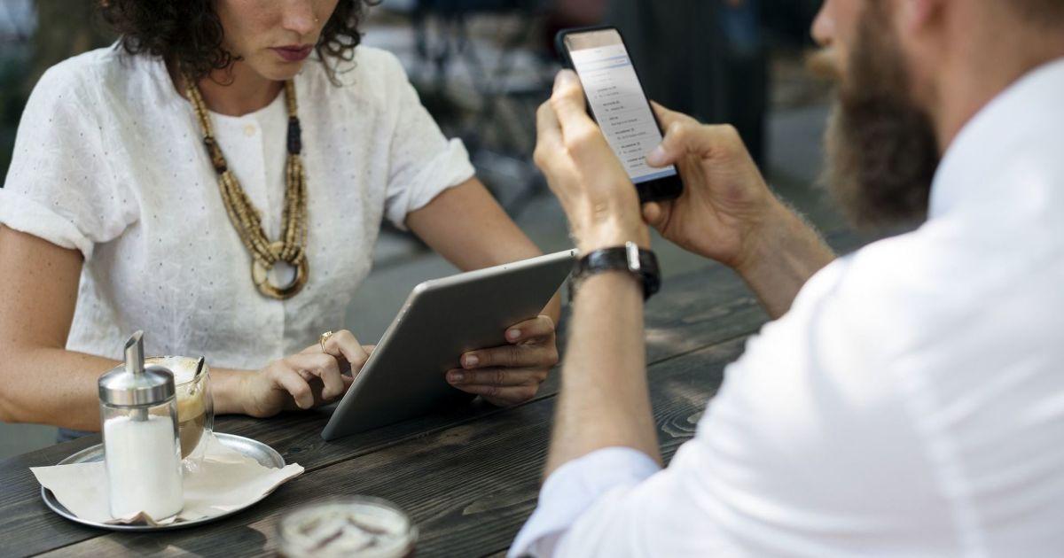 В Украине продавали приложение, которое перехватывало звонки и SMS с мобильных