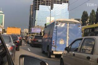 В столице ограничат движение транспорта на Одесской площади