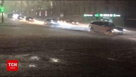 В Киеве снова бушует непогода