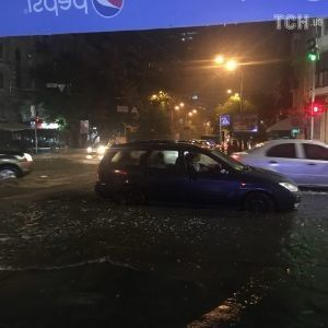Армагеддон в Киеве: столицу вновь заливает мощный ливень