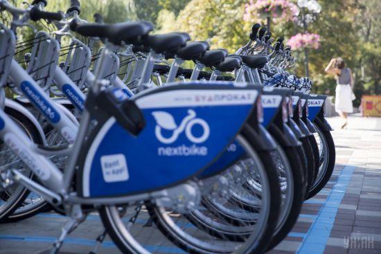 У Києві на гарячому зловили крадіїв велосипеда з мережі пунктів прокату