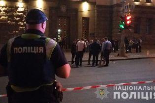 У поліції пояснили, чому патрульного під час стрілянини у Харкові не врятував бронежилет