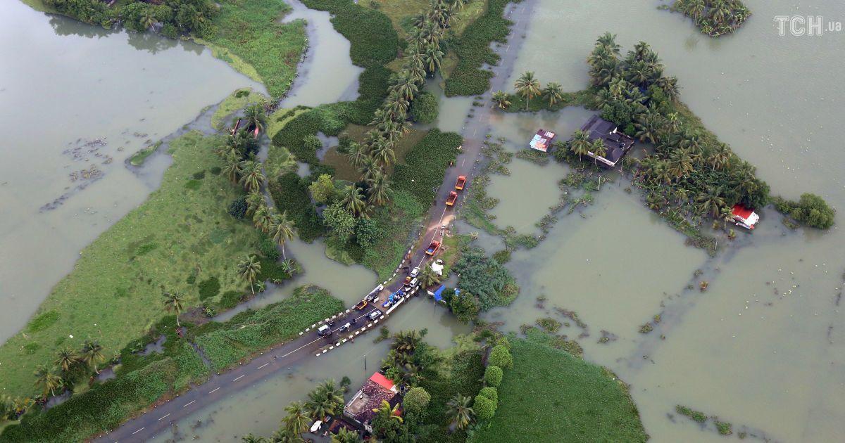 Через катастрофічні повені українцям не радять їхати до Індії (6.37 21) 17fb1d8ce4f97