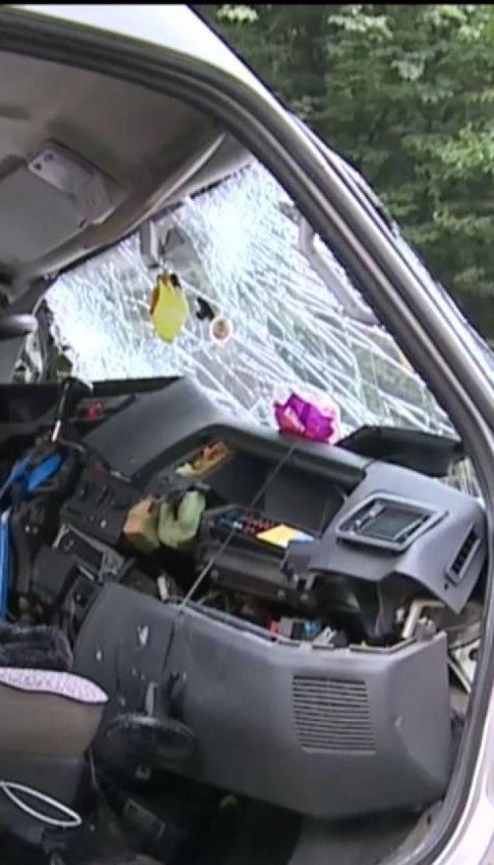 В ДТП возле Винницы один человек погиб, еще семеро получили травмы