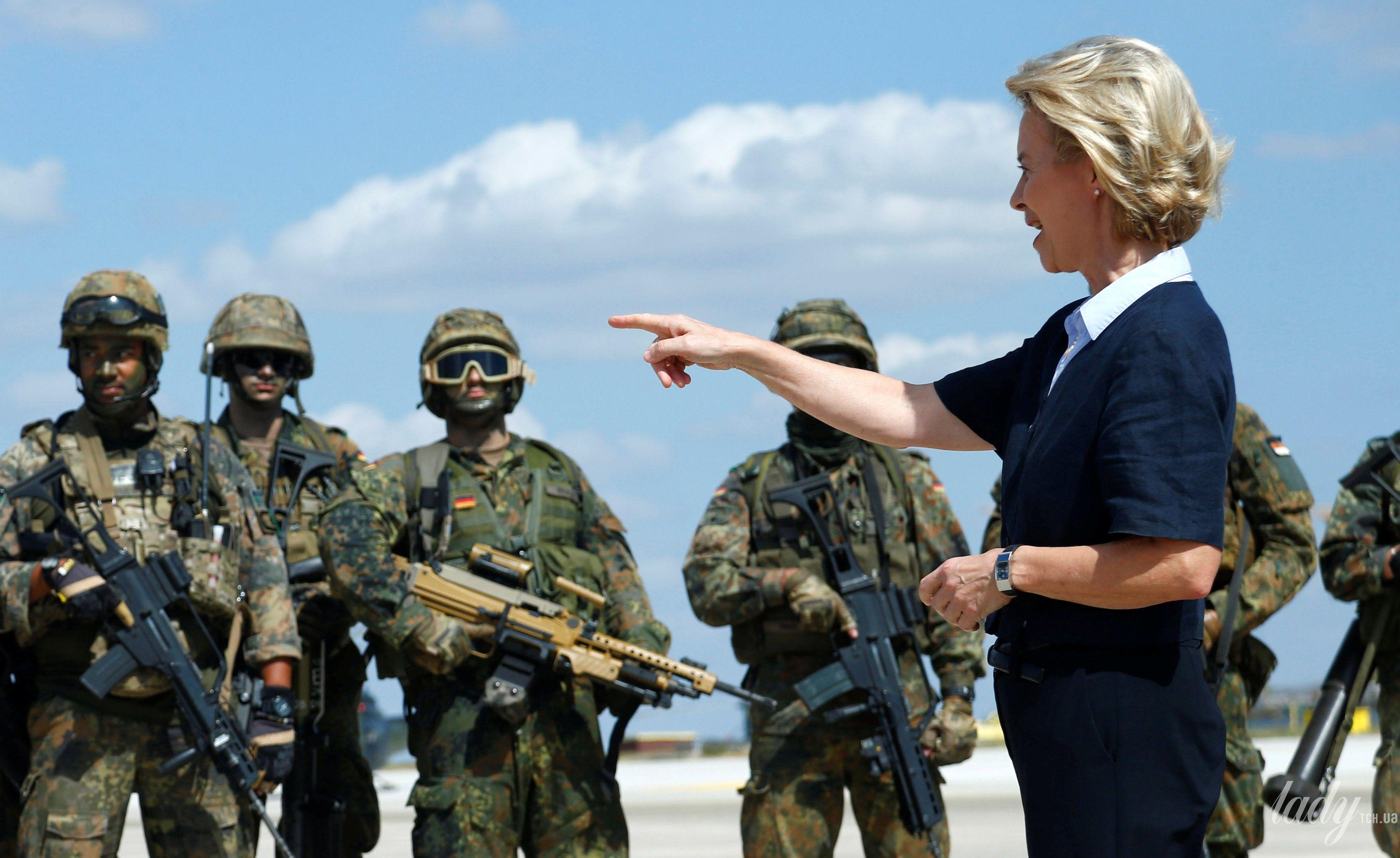 Министр обороны Германии_5