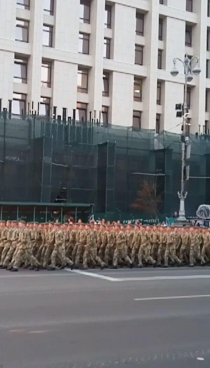 В центре столицы проходит репетиция военного парада