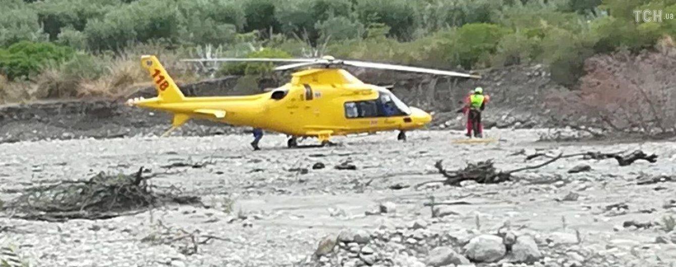 В ущелье в Италии внезапно вышла река из берегов: есть погибшие