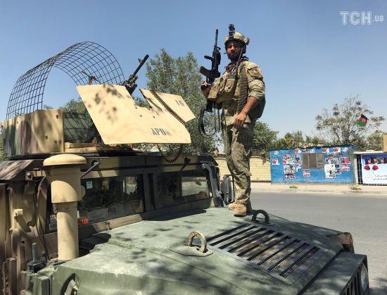 """""""Талібан"""" обстріляв урядовий квартал Кабула під час урочистого привітання президента Афганістану"""