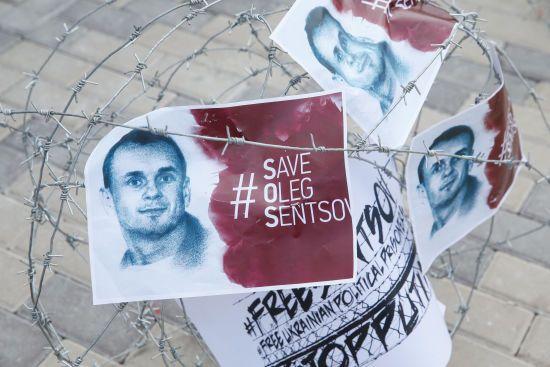 В ЄС закликали негайно звільнити Сенцова