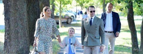 В цветочном платье и на каблуках: кронпринцесса Виктория отвела дочь в школу