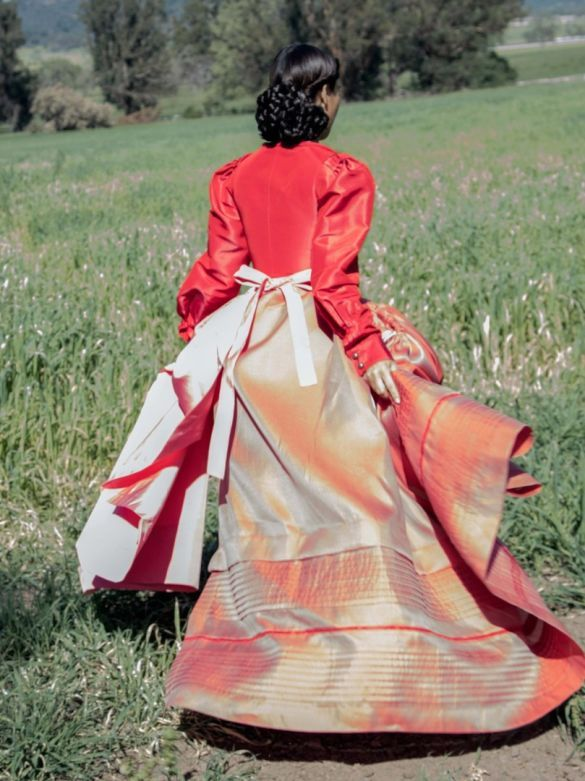 В платье с корсетом: скромница Ким Кардашян показала новую фотосессию