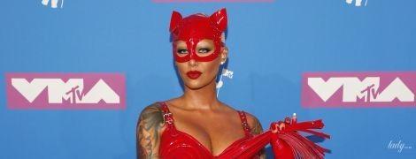 В костюме из секс-шопа: Эмбер Роуз пришла на музыкальную премию в эпатажном образе
