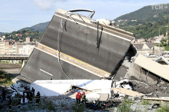 В Італії оприлюднили відео з моментом обвалення моста у Генуї