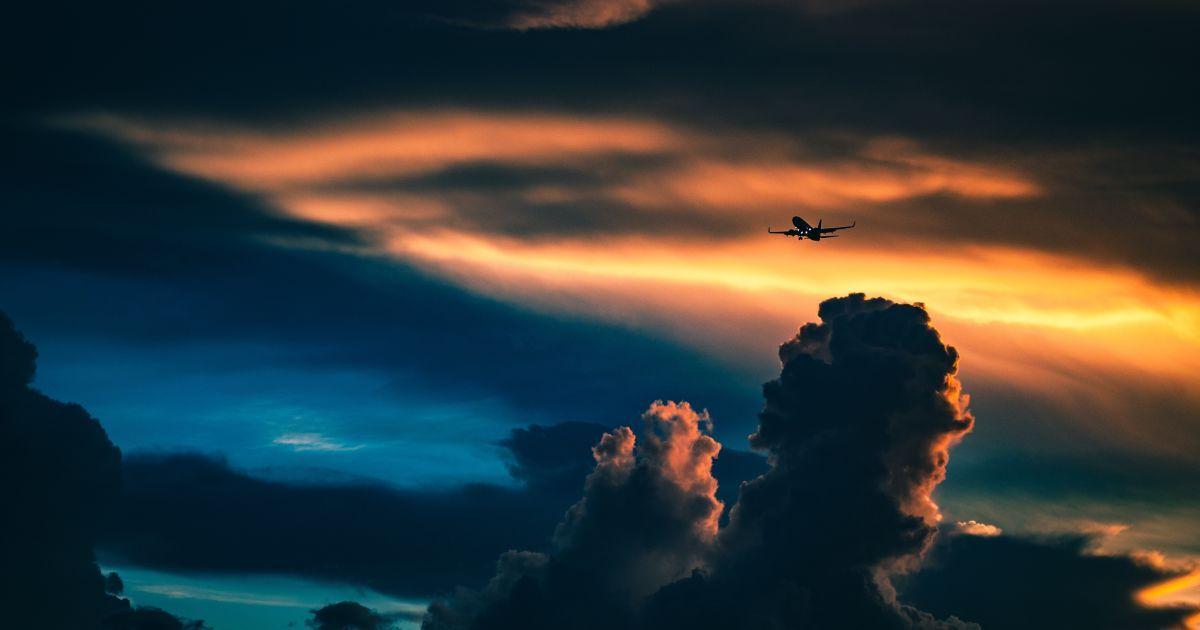 """""""Рейс из ада"""": самолет из Майами в Буэнос-Айрес попал в сильную турбулентность"""