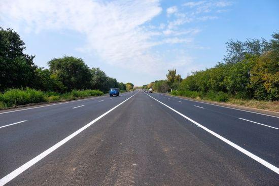 Плюс-мінус десятки мільйонів: Кабмін перерозподілив між регіонами гроші на ремонт доріг