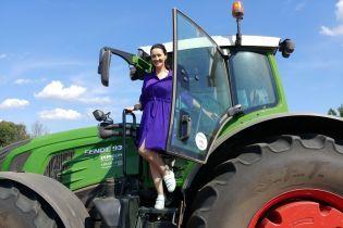Вітвіцька на тракторі, Мосейчук на заводі, Таран біля літака: як ведучі ТСН готуються до Дня Незалежності