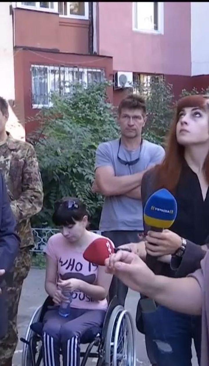 В Харькове соседи не дают паралимпийской спортсменке установить пандус возле дома