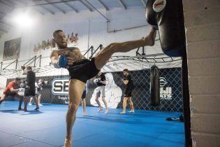 UFC представив вогняний постер до супербою між Макгрегором та Нурмагомєдовим