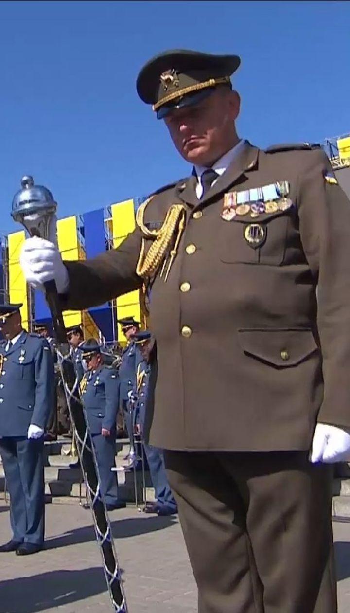Украинцы почтили память погибших военных и гражданских минутой молчания