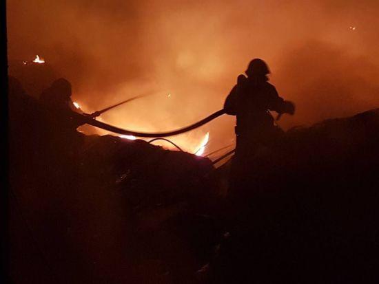 На півдні України через спеку не вщухають пожежі – ДСНС