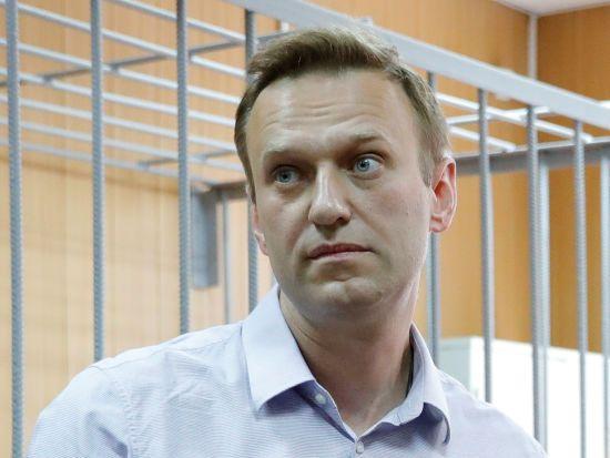 Навальному скасували заборону на виїзд за кордон після оплати двох мільйонів штрафу