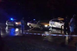В Ровно таксист открыл стрельбу по пассажирам