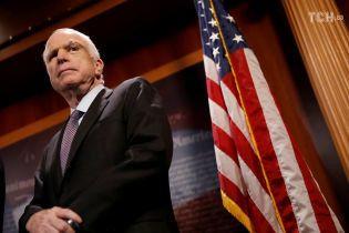 Плен во Вьетнаме, борьба за президентство в США и поддержка Евромайдана. Чем запомнится сенатор Джон Маккейн