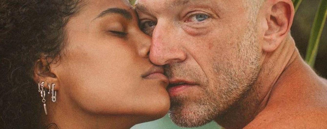 Счастливы вместе: Венсан Кассель и Тина Кунаки показали, как проводят время после свадьбы