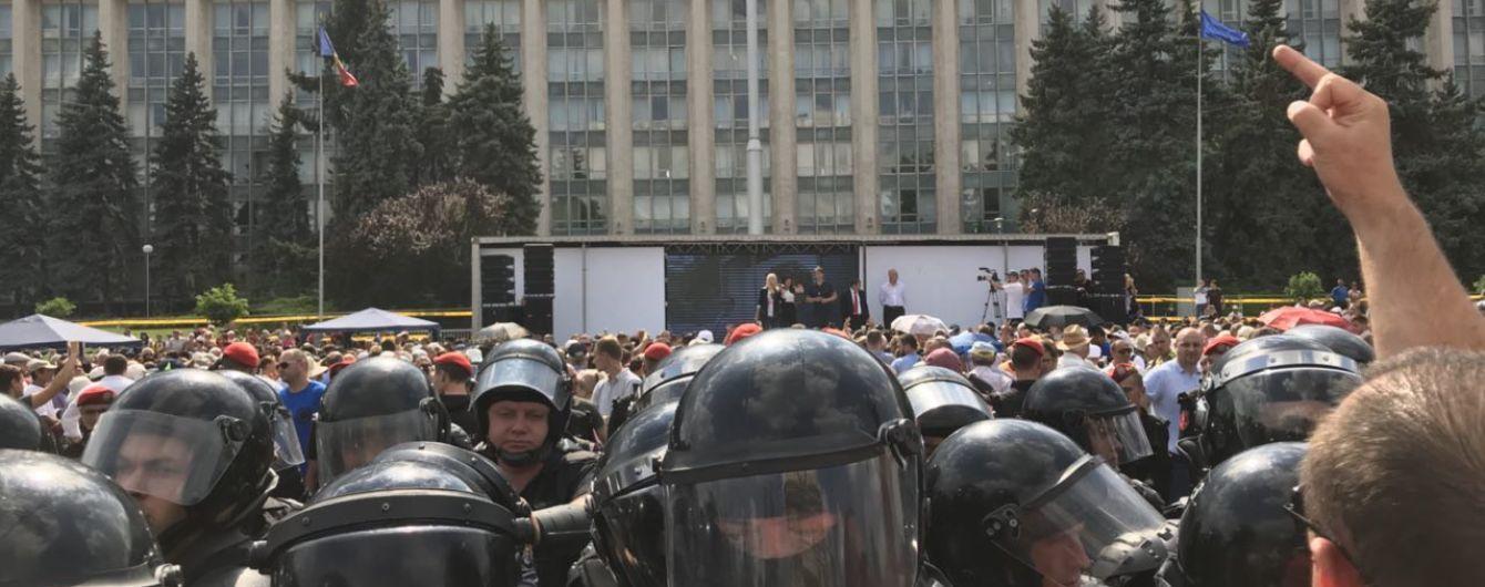 Парламент Молдовы таки смог назначить премьер-министра и избрать председателя парламента