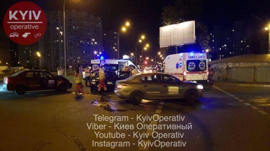 У Києві сталася серйозна ДТП із постраждалими