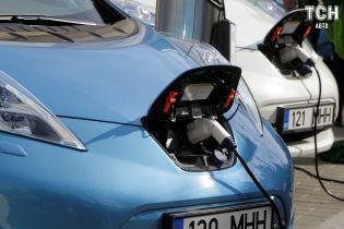 Рекламу електрокара Nissan Leaf заборонили через скандал