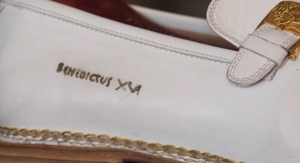 6bf3b3fb7fc528 Італія. Регіон Марке - взуття Папи Римського та оперні фестивалі на стадіоні