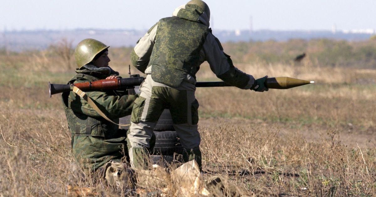 Бойовики з гранатометів обстріляли українських військових під Авдіївкою