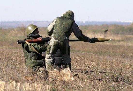 Бойовики на Донбасі обстріляли позиції українських військових з гранатометів і мінометів, є поранений