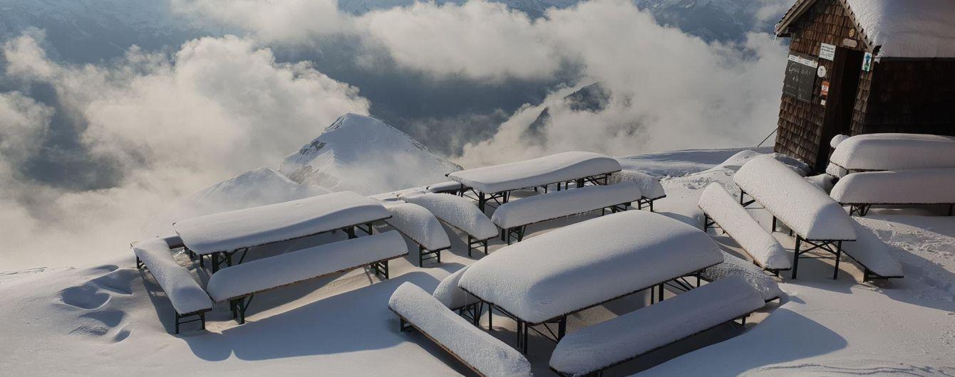 Уже 13 человек стали жертвами снега в Европе
